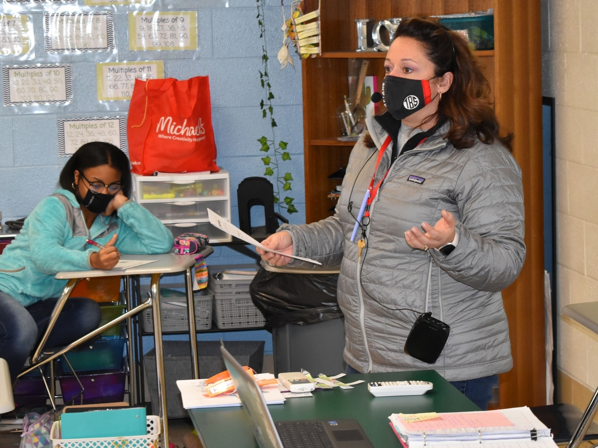 Katy O'Day leads her seventh grade Spanish Class