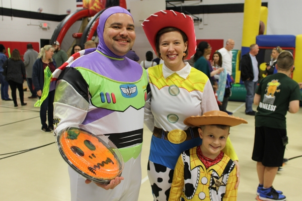 family in toy story costumes